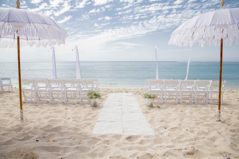 Bali Flags, Pebble Matting Aisle, Bohemien Umbrellas & Gladiator Chairs