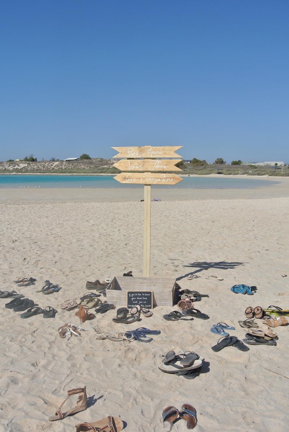 Shoe Sign & Basket