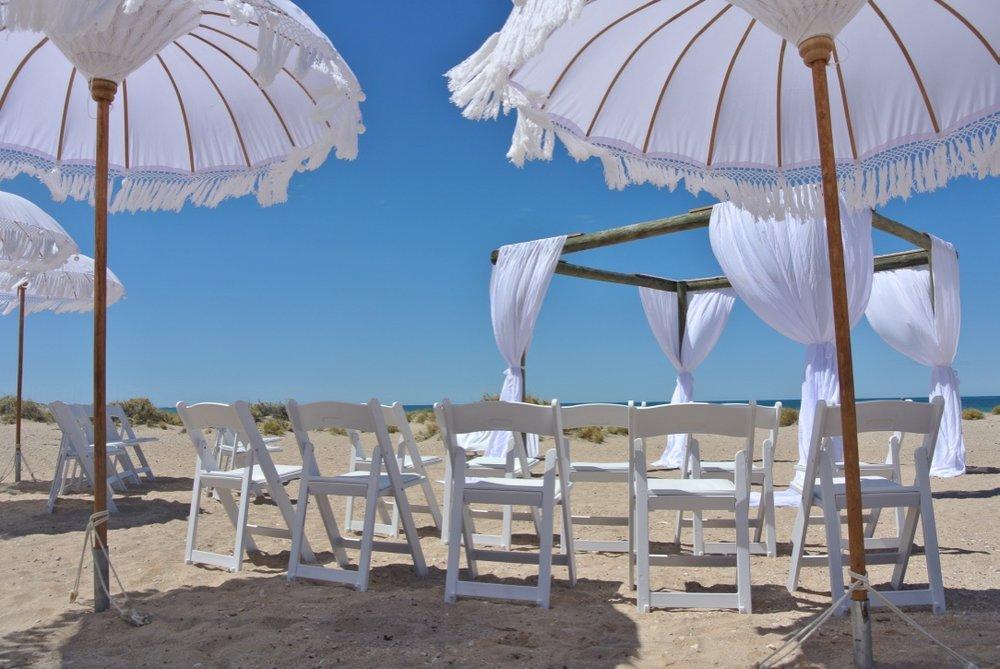 Novotel Ningaloo Structure, Gladiator Chairs & Bohemein Umbrellas