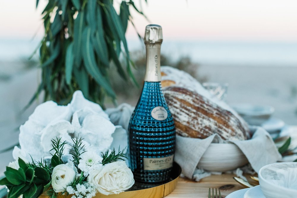 flowers-styling-exmouth-wedding-bluemedia-weddings-25.jpg