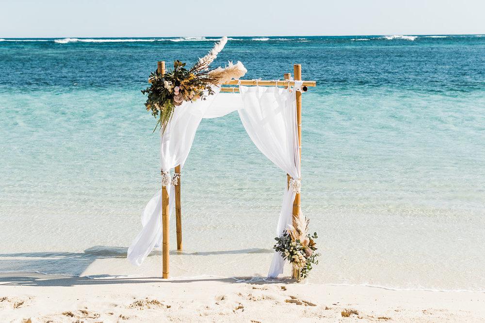 salt&sandeventhire-ningaloo-wedding stylist-bluemediaweddings-engagementproposal-ningalooreef-41.jpg