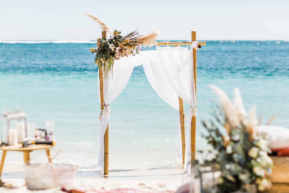 salt&sandeventhire-ningaloo-wedding stylist-bluemediaweddings-engagementproposal-ningalooreef-52.jpg