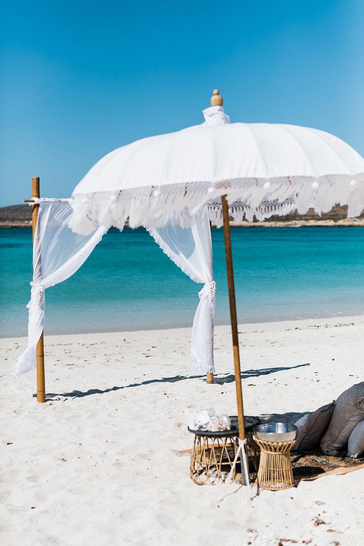salt&sandeventhire-ningaloo-wedding Stylist-exmouthwa-K&M-elopetoningaloo-wedding-bluemedia-turquosebay-12.jpg