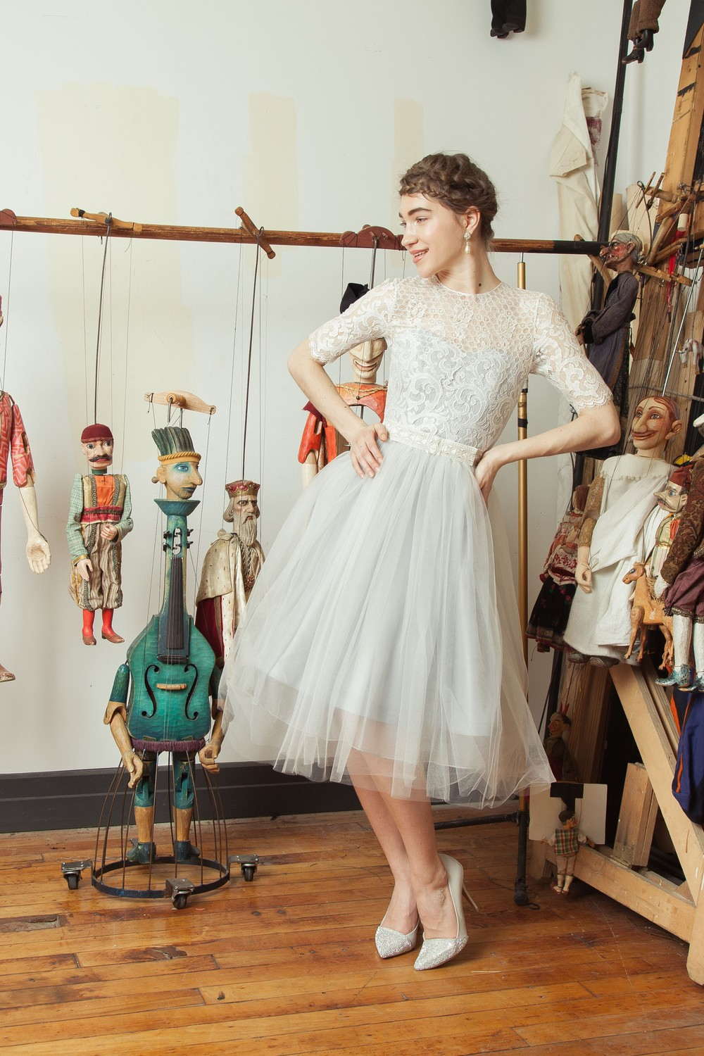 Marionetka dress with embroidered bow belt