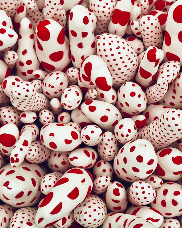 """Bring on Picasso, bring on Matisse, bring on anybody! I would stand up to them all with a single polka dot!"" - Yayoi Kusama ❤️ Gotta love a lady who understands the power of a dot. 😉"