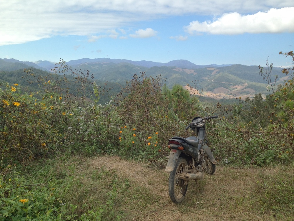 MOTORBIKING TO PAI