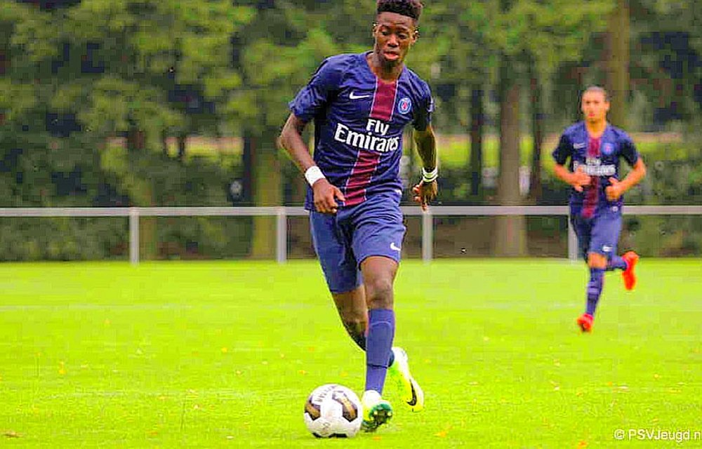 Timmothy Weah Playing At Gigant PSG 2016