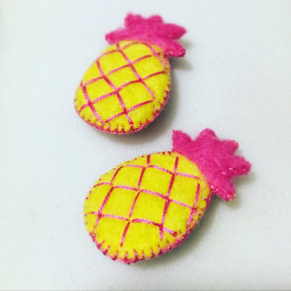 Pineapples01.jpg
