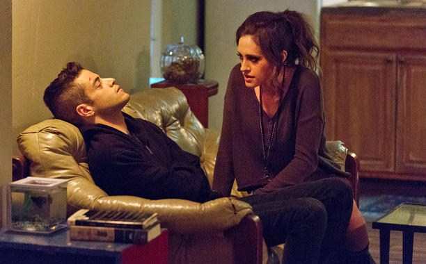 Rami Malek as Elliot Alderson and Carly Chaikin as Darlene (Photo credit: Christopher Saunders/USA Network)