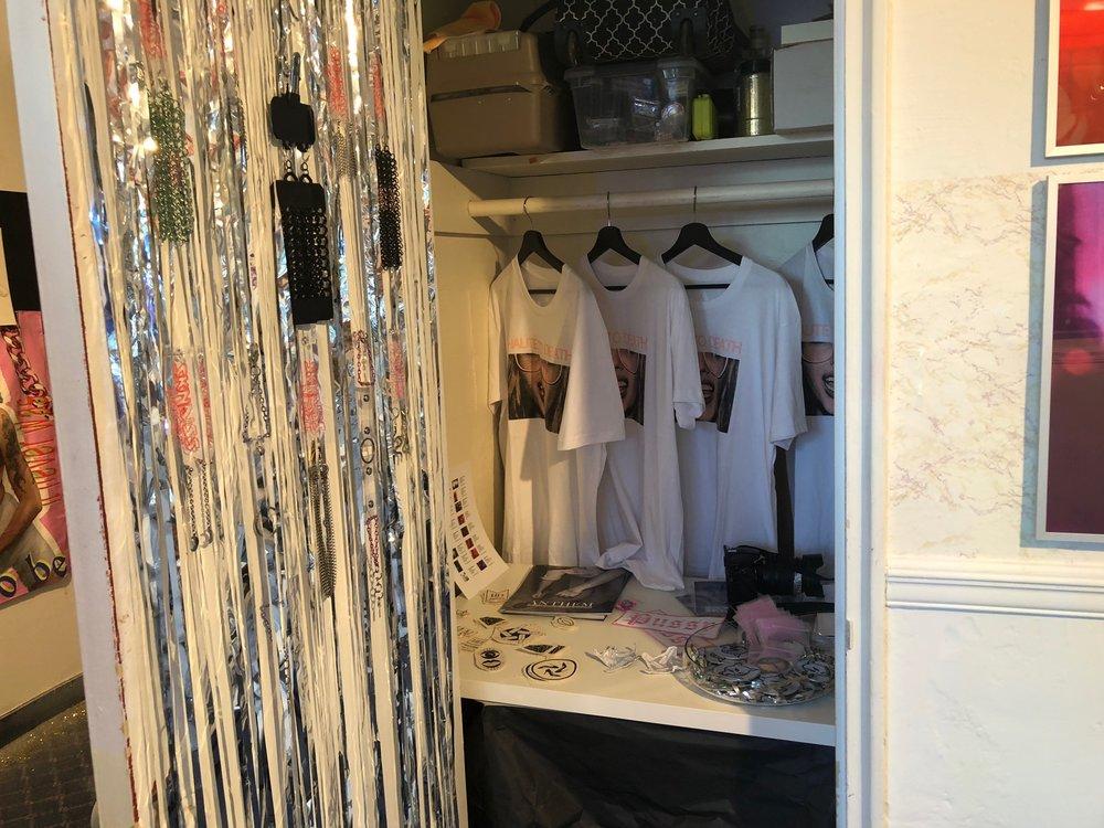 Popup closet.jpg