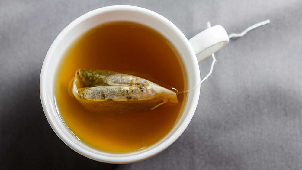 Green tea cleans impurities from your body, which is an absolute #win. Photo via  Healthline