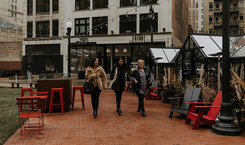 Downtown Detroit: where to eat, shop and drink - Sip and dine your way through holiday shopping days with this guide from the j'adore Detroit gals. For so long the streets that were once lined with department stores were left vacant. Now the downtown is bustling with stores from both national and local brands.