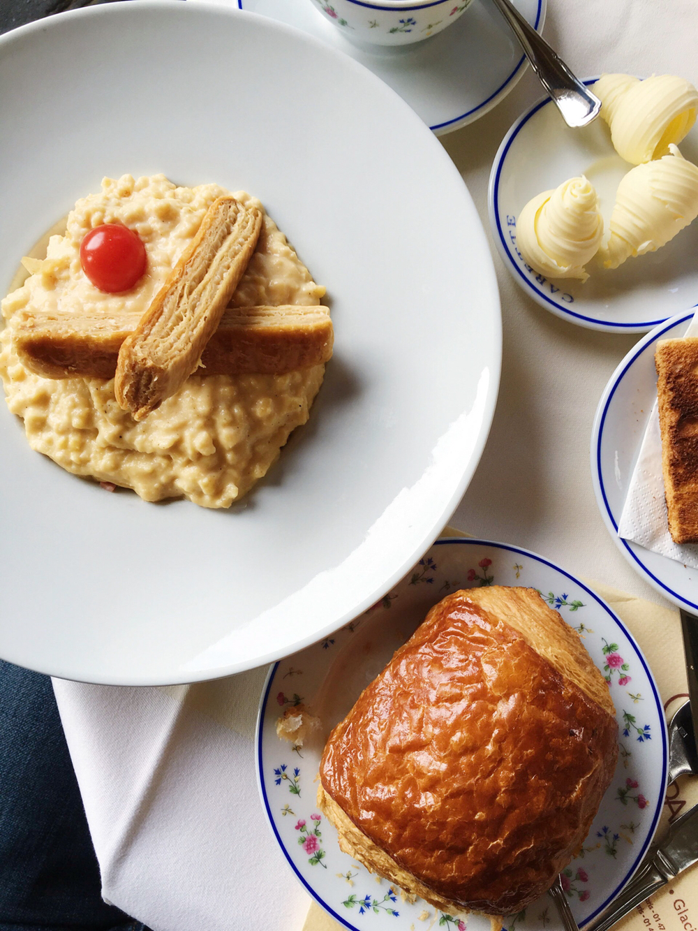 Breakfast at Carette, Paris #mfrancisdesigntravels