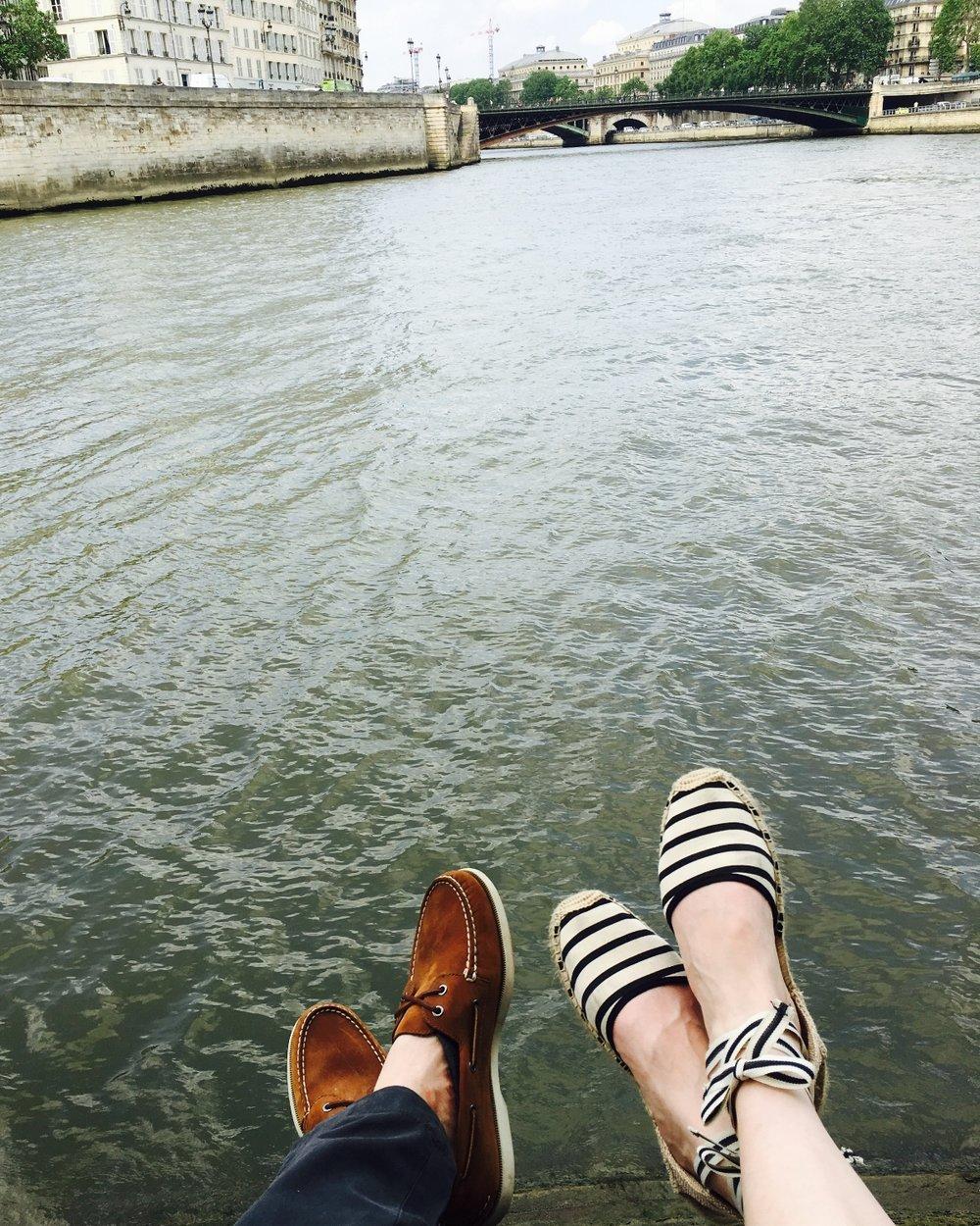 Picnic on the Ile Saint-Louis, Paris #mfrancisdesigntravels