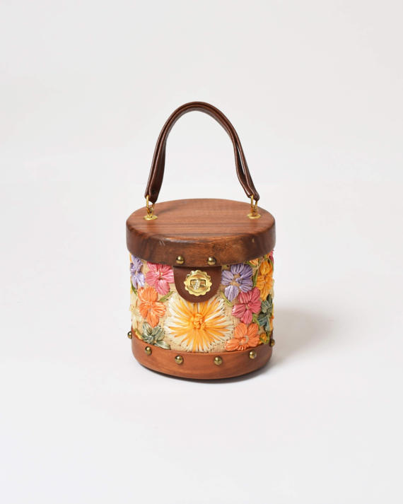 Vintage Woven Handbag on the Weekly Edit