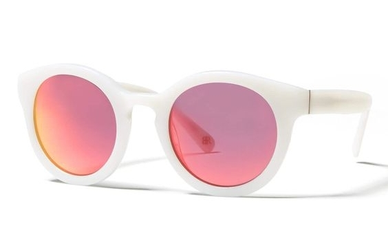 White Satya Sunglasses on the Weekly Edit