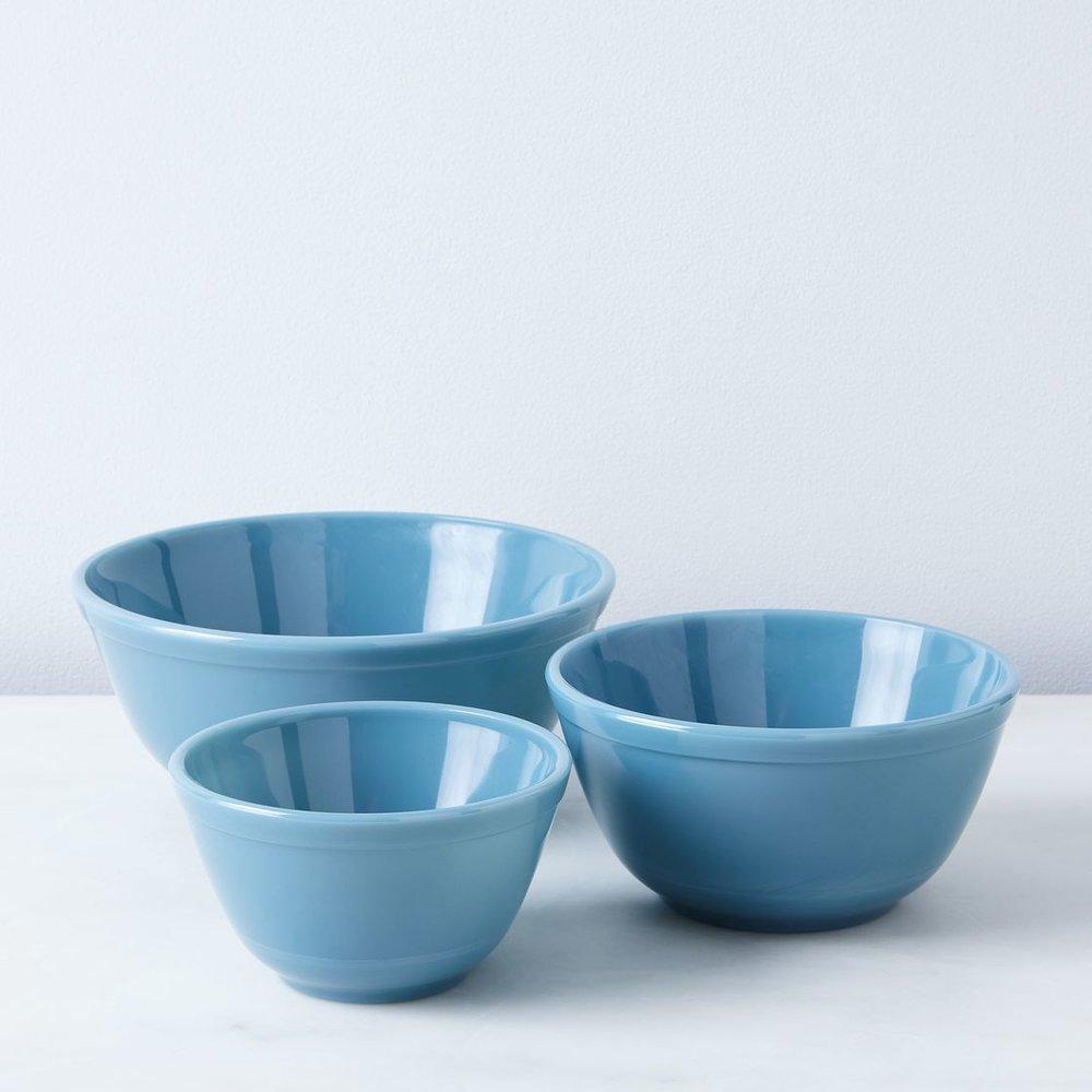 cf75b5bd-a8dc-4a8c-8798-000fb749a328--2016-0916_mosser-glass_food52-glass-bowls-blue_silo_rocky-luten_045.jpg