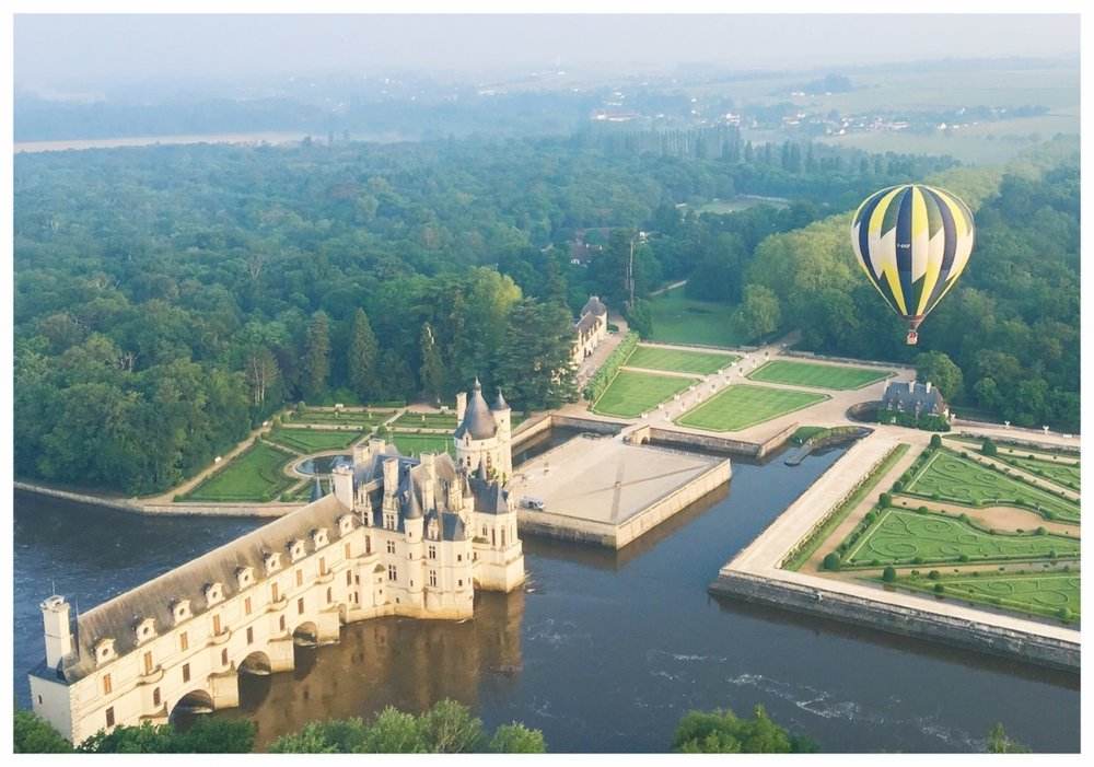 Loire Valley Hot Air Balloon Ride Over Chateau Chenonceau, France #mfrancisdesigntravels