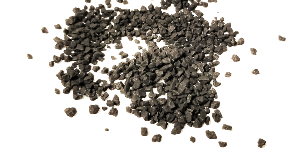 charcoal-activated black hawaiian sea Salt - A natural source of activated charcoal, black Hawaiian sea salt slowly dissolves to soften water. Its outermost layer of activated charcoal, rich in iron and fortifying minerals, is what gives it its deep black appearance that detoxifies and purifies skin.