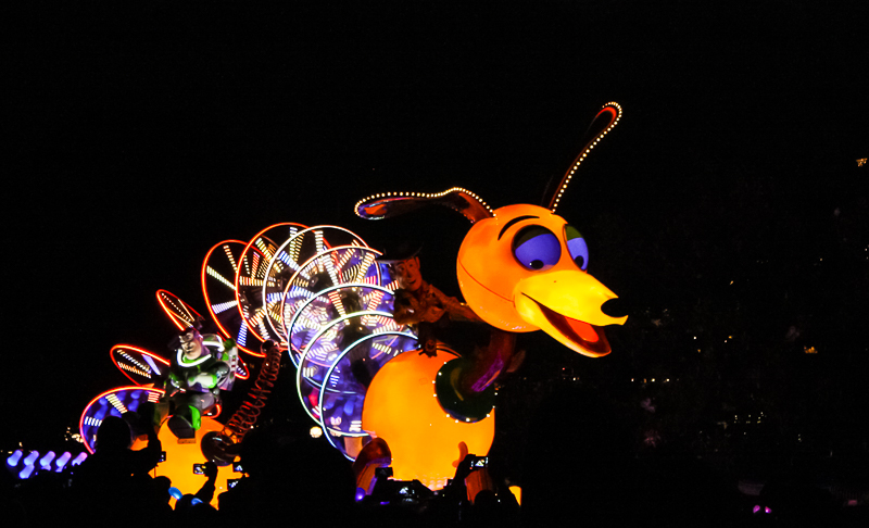 Paint the Night Slinky Toy Story Disneyland 60