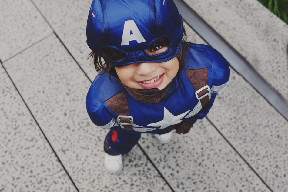 """Mateo, my son, my hero, I am your fan # 1.   Su nombre es Mateo, pero si le preguntas dirá. """"Soy Capitán América""""     His name is Mateo, but if you ask will tell.     """"I'm Captain America""""    My dream is that he want to be as big."""