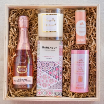 Gifting-Collective-Gift-Box-Mothers-Day-2018.jpg