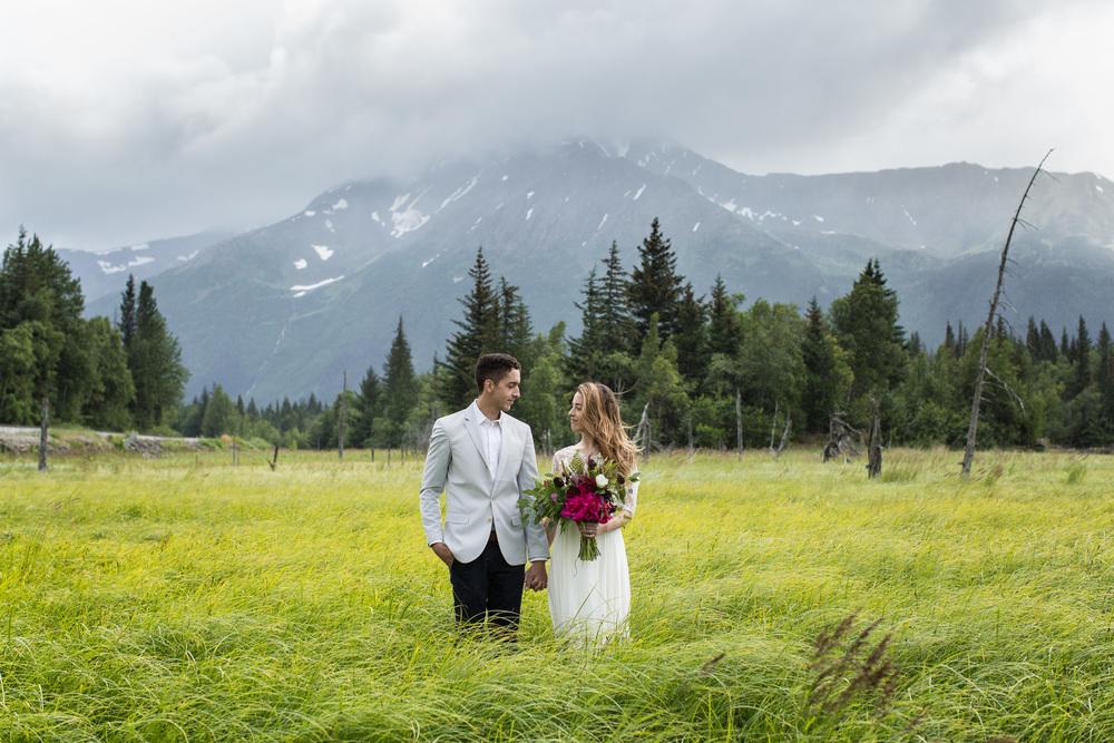 Photo - Tyler Rye  Bouquet - Alaska Knit Nat