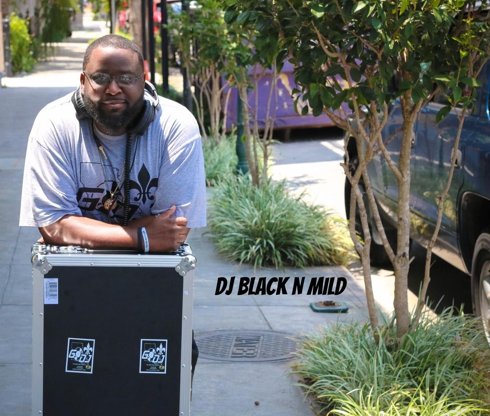 DJ BLACK N' MILD