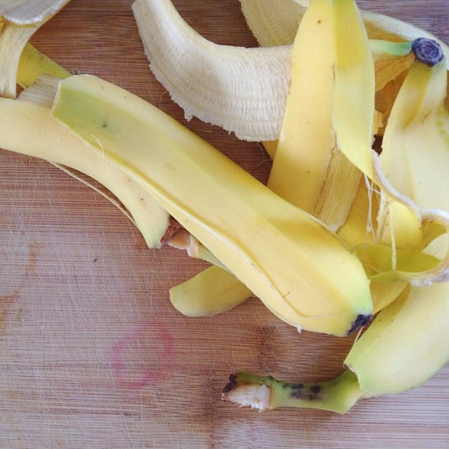bananapeelsoncuttinboard