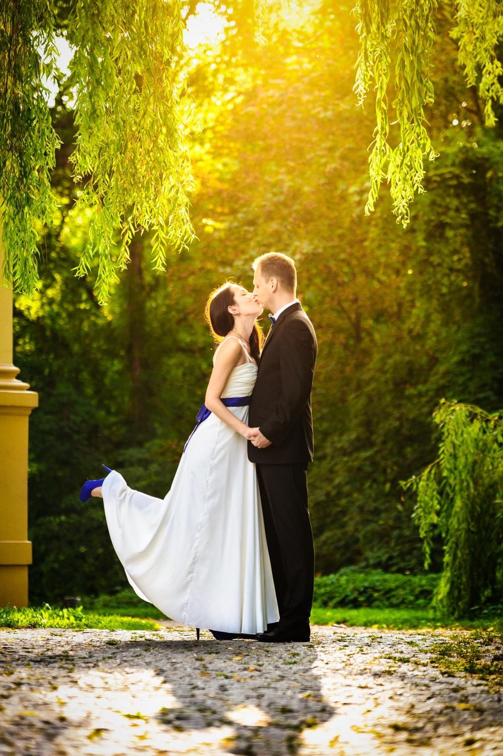 Plener ślubny w pałacu Ostromecko