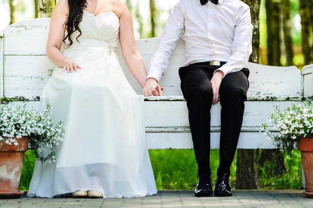 Plener ślubny w parku w Warszawie