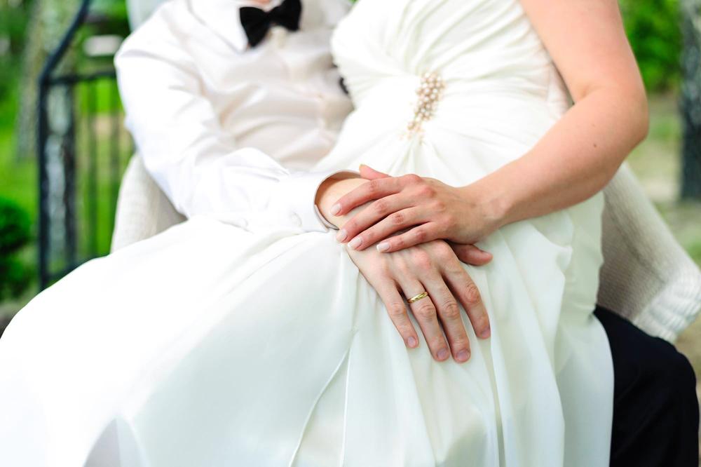 Sesja ślubna w ogrodzie Złotopolska Dolina