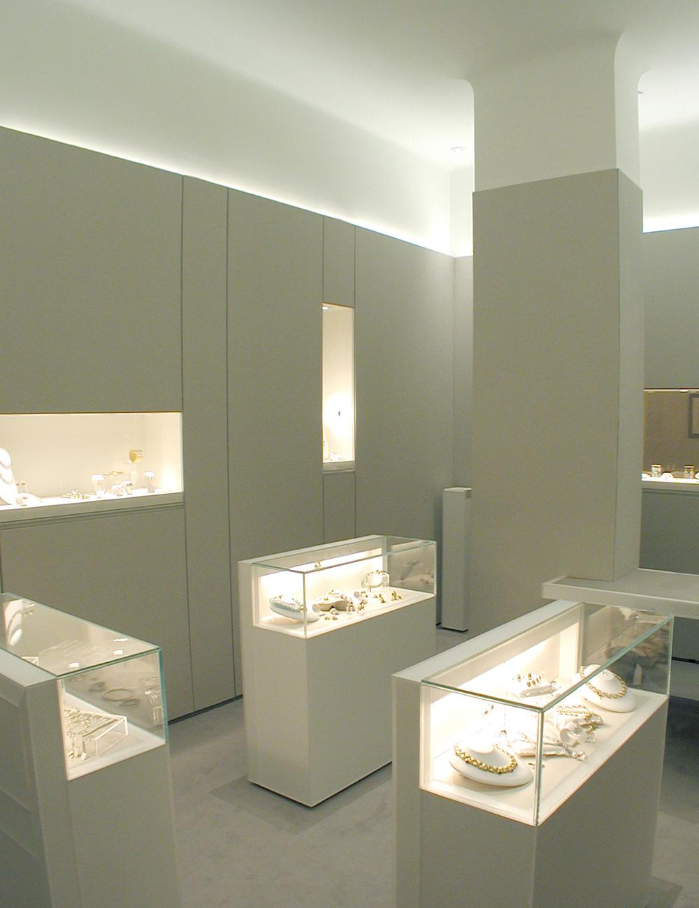 05 showroom.jpg
