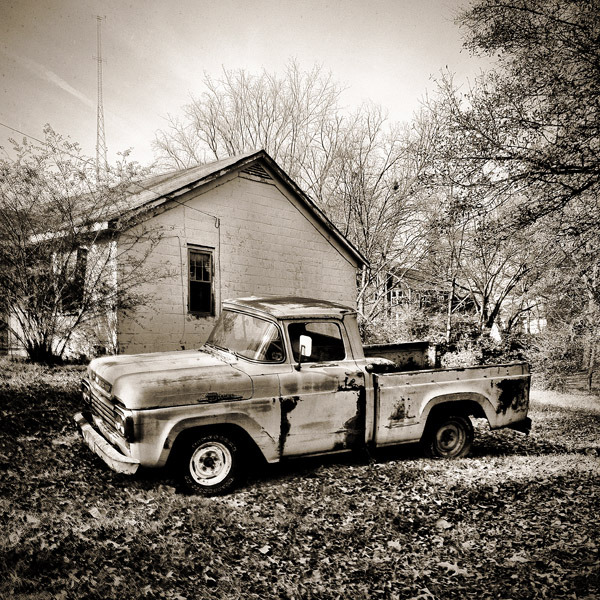 show12_ford-truck_9x9_s.jpg