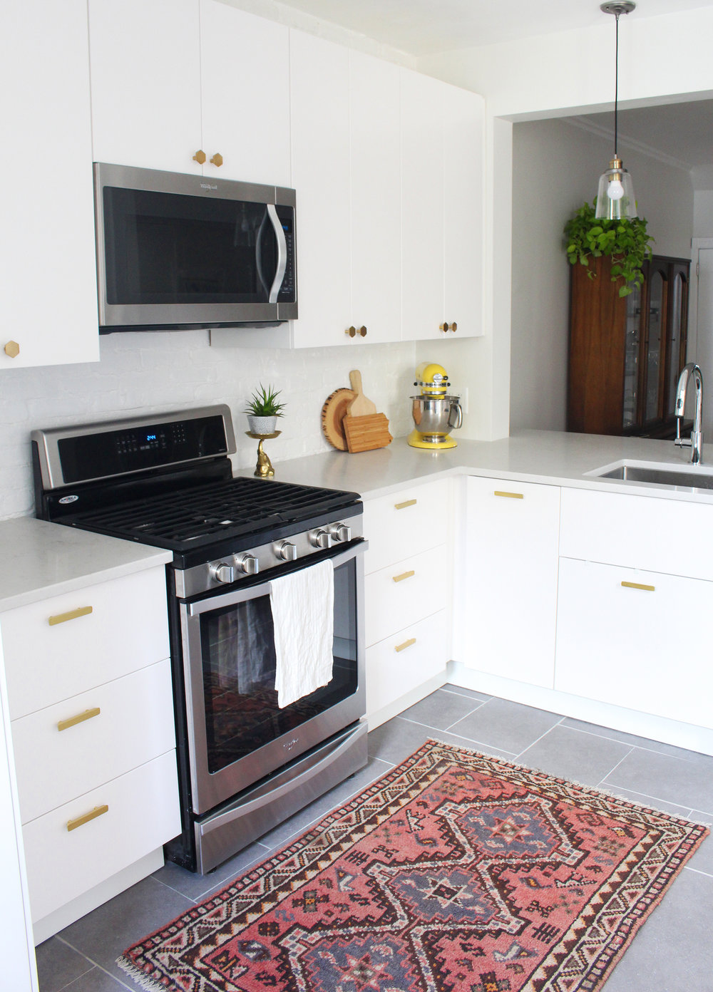 Small, modern IKEA kitchen (Veddinge)