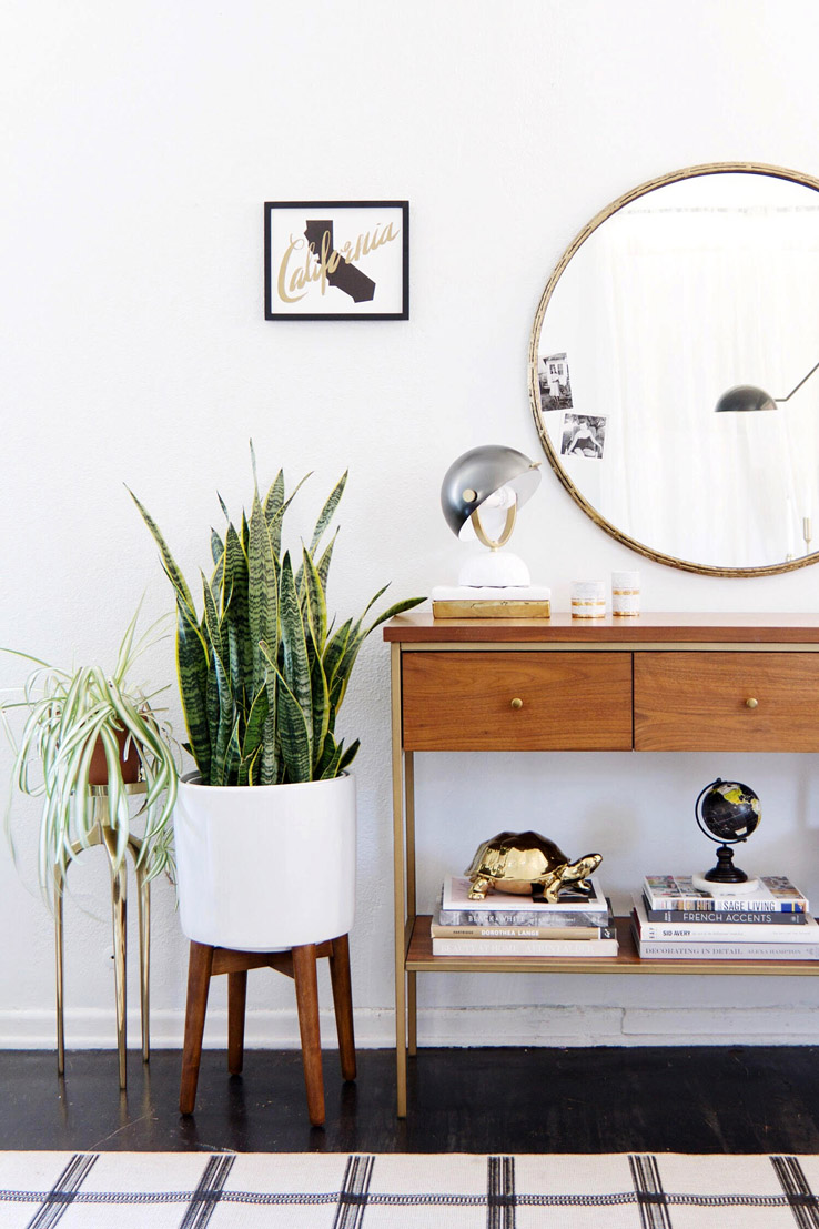 Mid-century inspired entryway. Get the look on the blog!