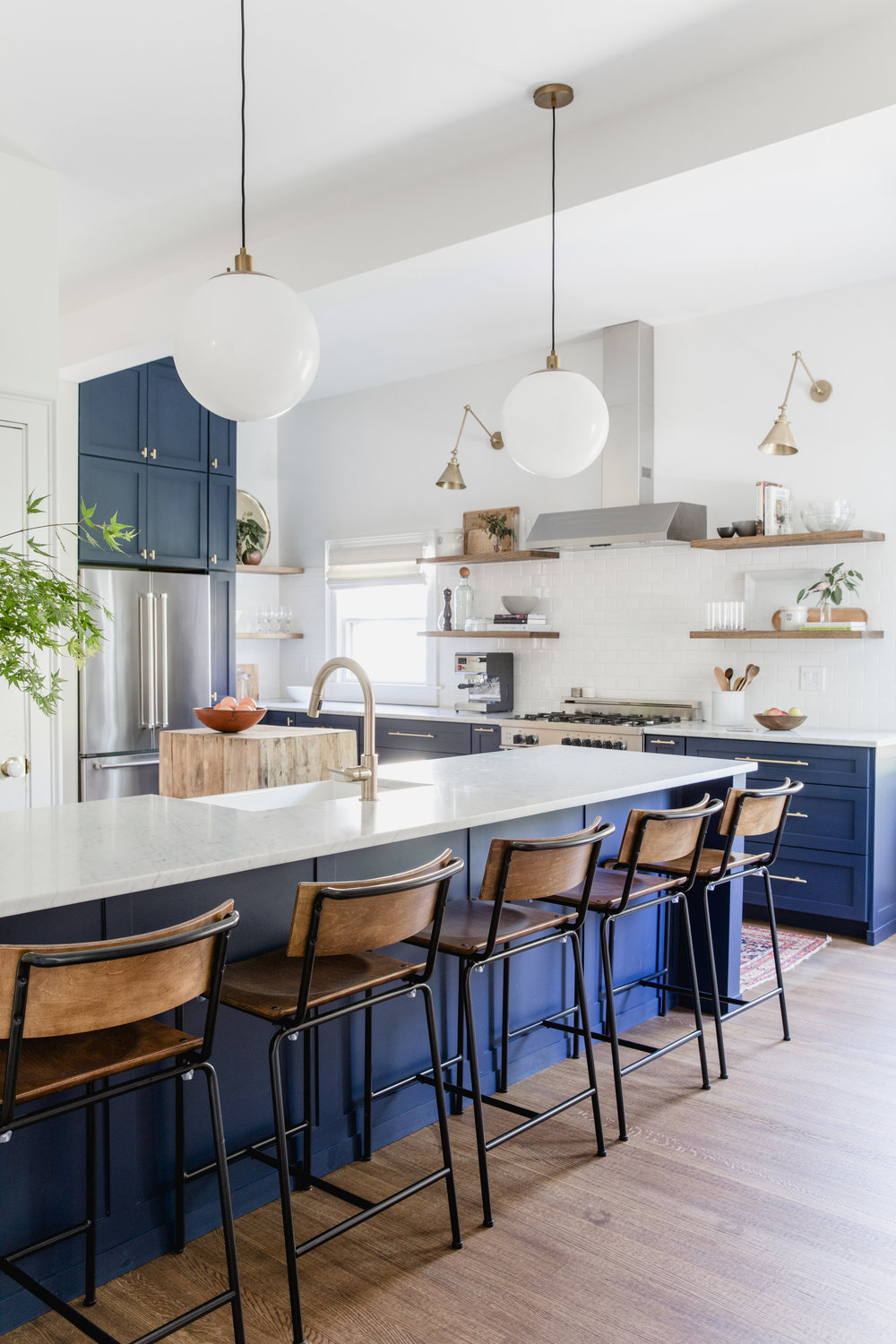 island kitchen stools how to choose the right bar stools for your kitchen island or peninsula mix match design company 4553