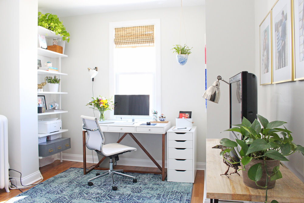 Mix & Match Design Company's modern eclectic home office. // modern white desk, modern home office, eclectic home office