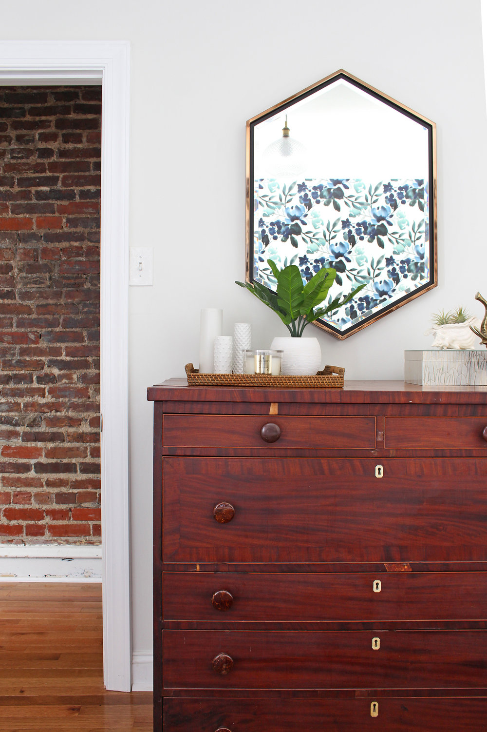 The big One Room Challenge reveal for my eclectic modern farmhouse guest bedroom is up on the blog! Come on over and see the blue-green floral wallpaper, my marble topped vintage nightstands, and my take on modernizing an antique dresser! || Design: Mix & Match Design Company