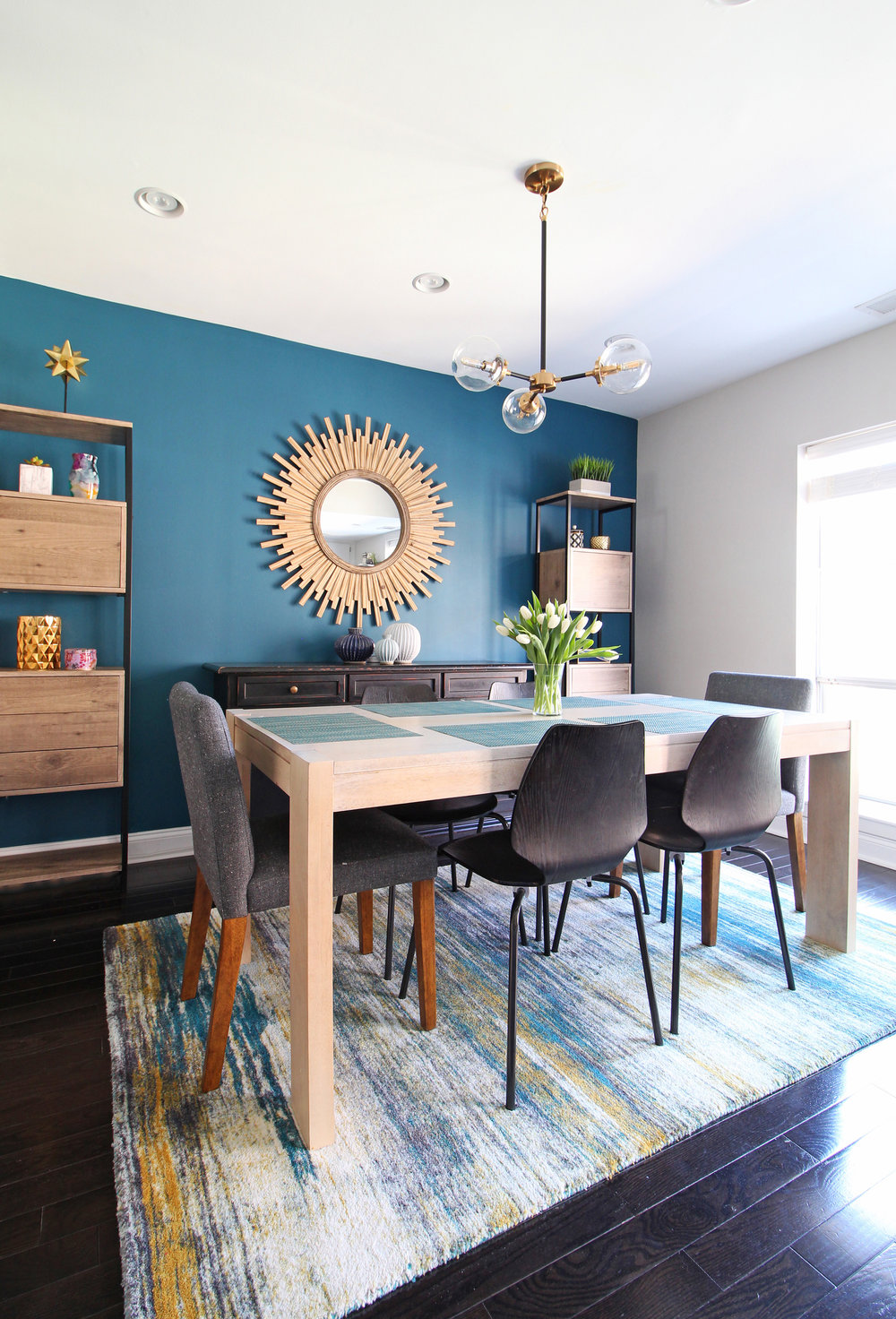 Are you redecorating your home in 2019? Let's chat! My approachable and affordable e-design packages might be just the right fit. Get the design help you need from Mix & Match Design Company's virtual interior design services and turn your home into a space you love! // modern eclectic dining room, modern dining room, bold dining room