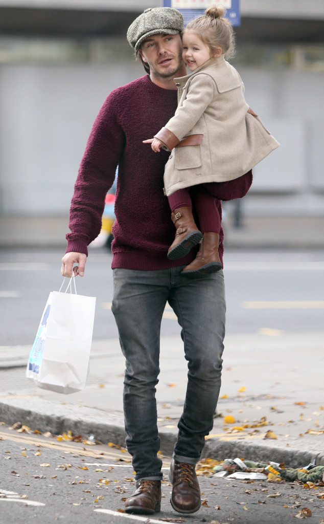 IMAGE: EONLINE.COM  LOOK GOOD WITH JUST SOME WELL-FITTED JEANS, BOOTS & JUMPER