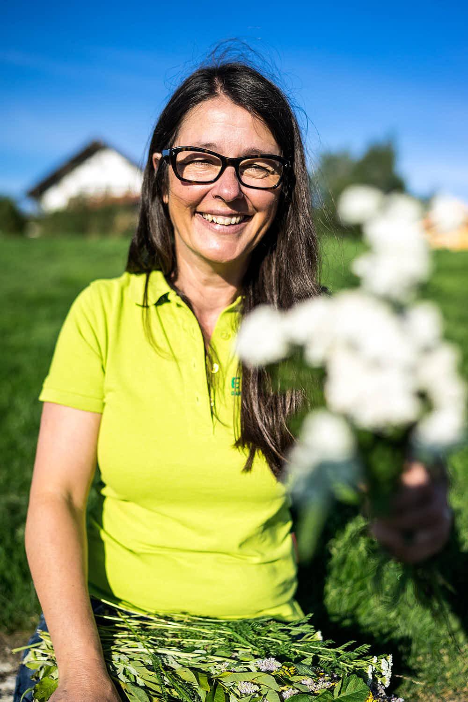 Christine Epp Kräuterpädagogin Sie bringt Farbe in Ihren Garten.