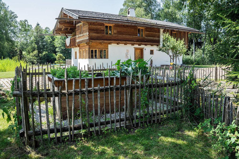 Epp-Gartenbau-Holz-Zaeune-Terassen-35.jpg