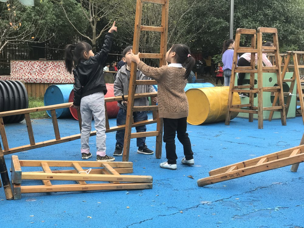 Children in Anji Play have access to large, minimally-structured and open-ended environments and materials, and extensive and uninterrupted time to work together and solve problems.