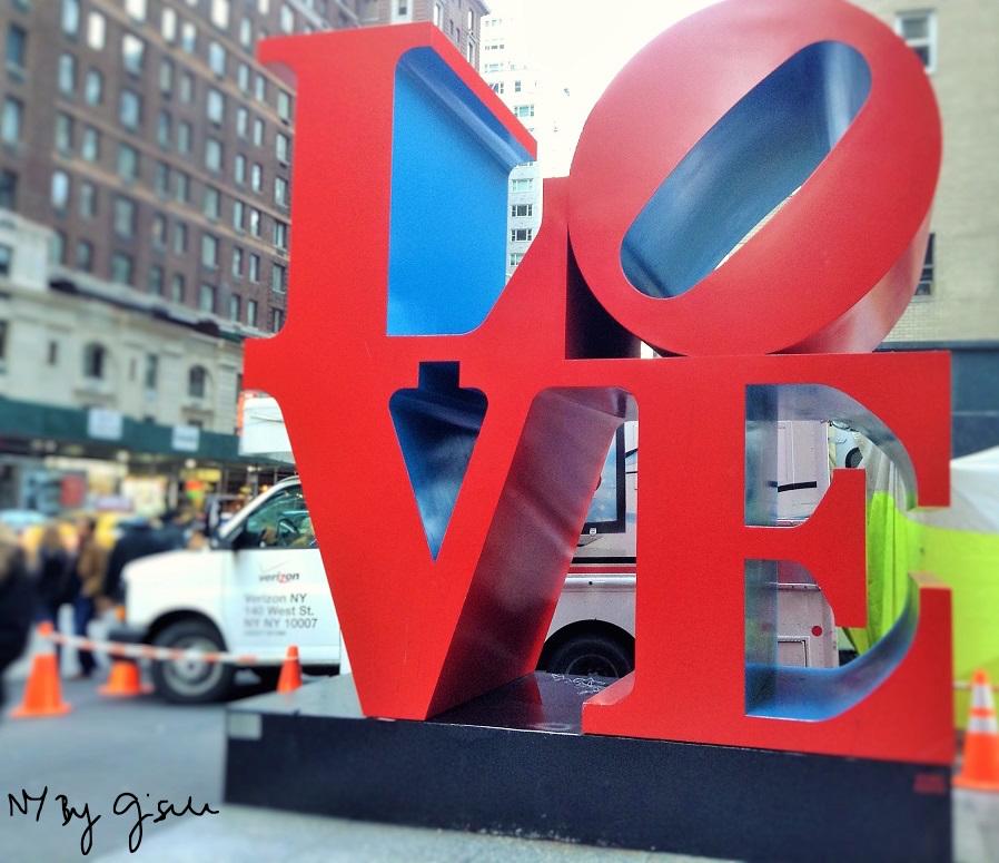 Imagem da Love Sculpture da 6a Avenida em Nova York