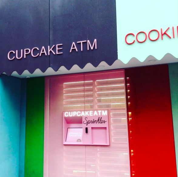 sprinkles-cupcakes-nyc-atm-machine.png