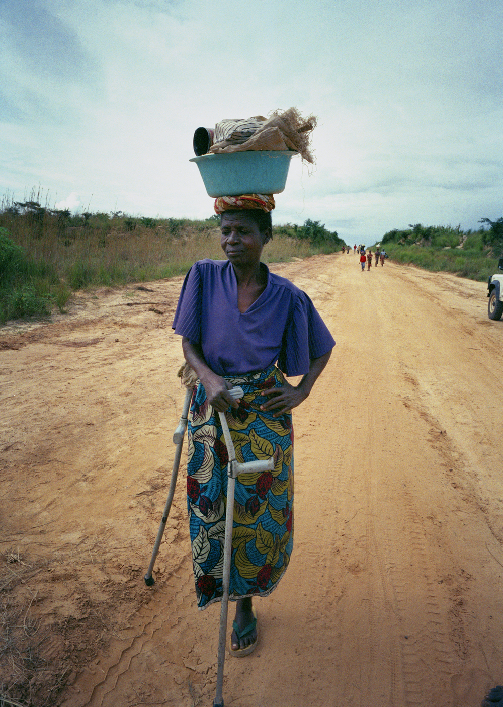97-41-27a_Refugee On Road -2.jpg