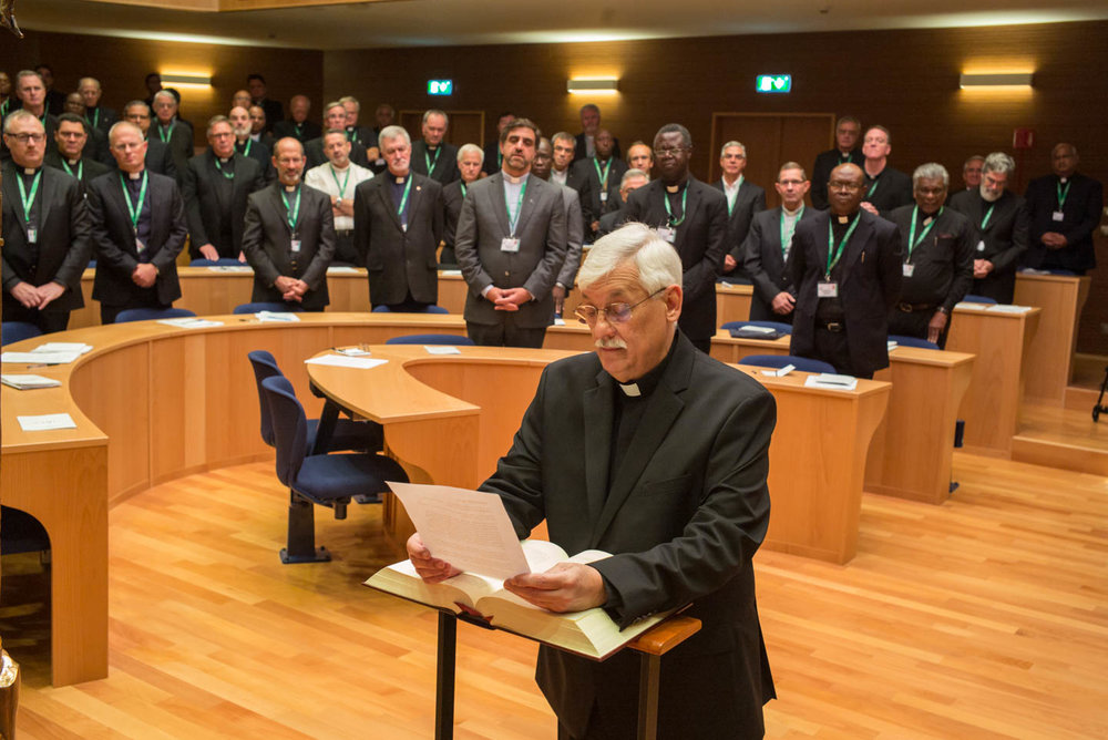 After his election as Superior General of the Society of Jesus by the GC36 delegates, Fr. Arturo Sosa, of Venezuela, makes his oath of office.