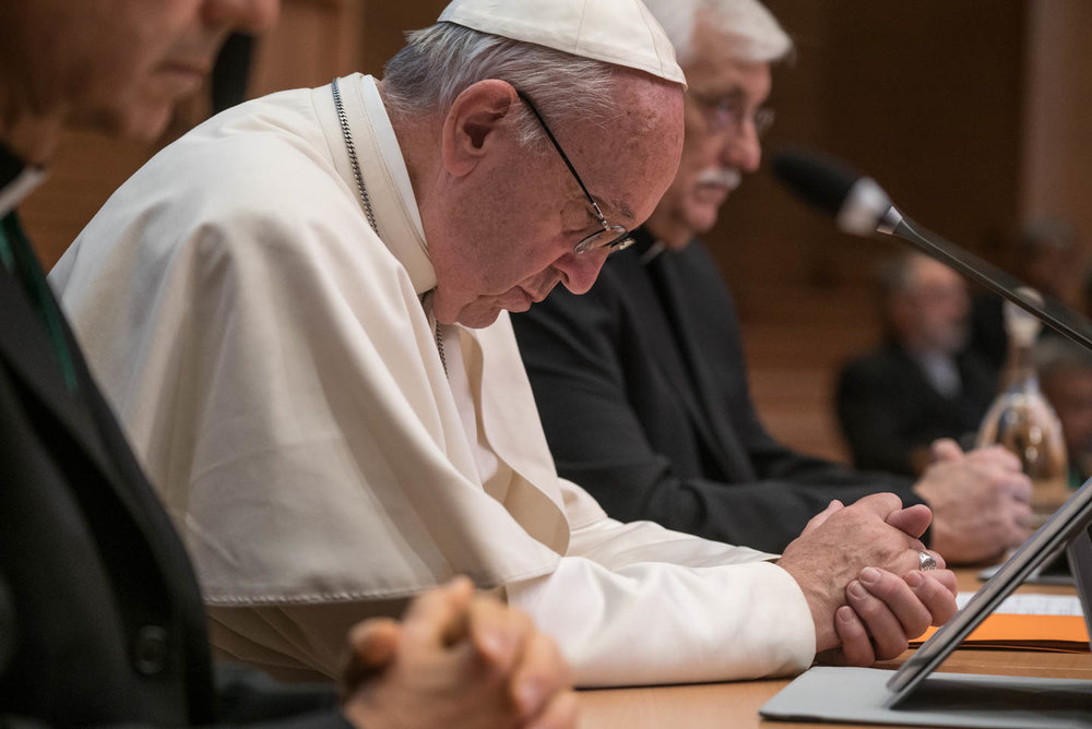 Pope Frances visited the Jesuit house and joined in the opening prayer with the GC36 delegates before his formal address. In previous congregations, delegates and the newly elected Superior General, visited the Pontiff at the Vatican.