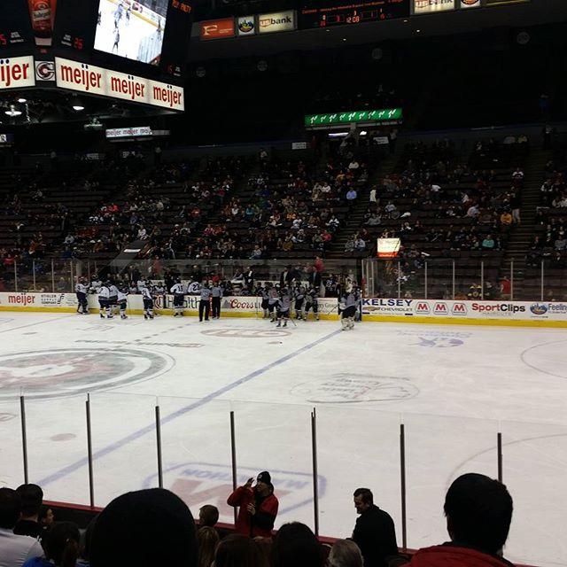 Aquarius cheered our #cincinnaticyclones to a victory last night! #goclones #keepingupwithaquarius #jobs #job #nowhiring #hiringnow #cincinnati #cinci #jobsearch #talentsearch #staffing #jobseeker #jobseekers #recruitingnow #work #working #hardwork #recruiting #ohiostate #ohio